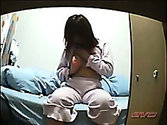 Japanese girl alone at home 17 - electric toothbrush - Voyeur hidden spycam
