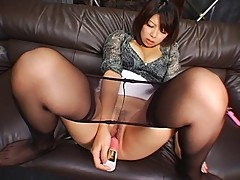 Saki in Pantyhose Uncensored