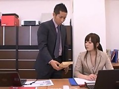 Yuu Asakura Gets a Hot Day at the Office