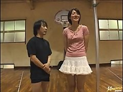 Tiny Dude Fucking a Taller Asian Chick In the School Gym
